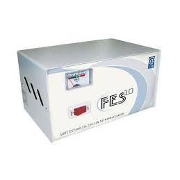 Estabilizador Elise FES-10 Fase, Sólido, 1.0kVA, 220V, 4 tomas a 220V, 1 toma a 110V